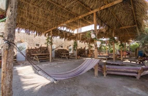 כפר הנוקדים - זולה בין החדרים